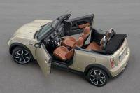 Chique Mini Cabrio Sidewalk