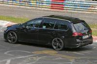 Volkswagen Golf R Variant sprint over de Nürburgring