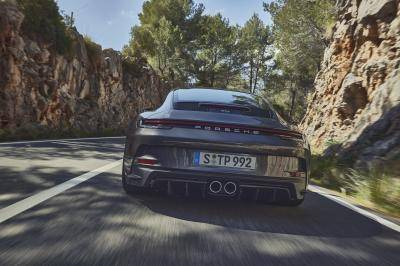 De Porsche 911 GT3 Touring is voor muurbloempjes die van sturen houden