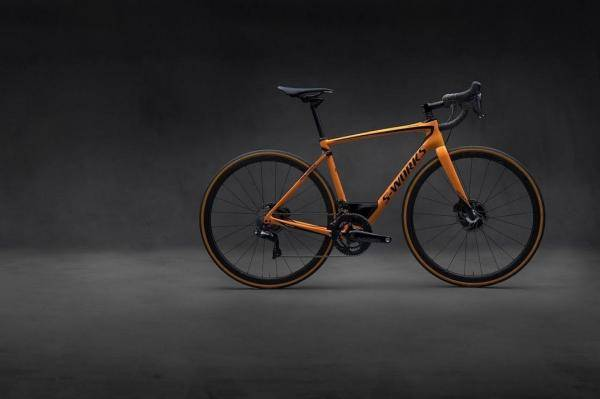 Demarreer met deze McLaren S-Works Roubaix by Specialized