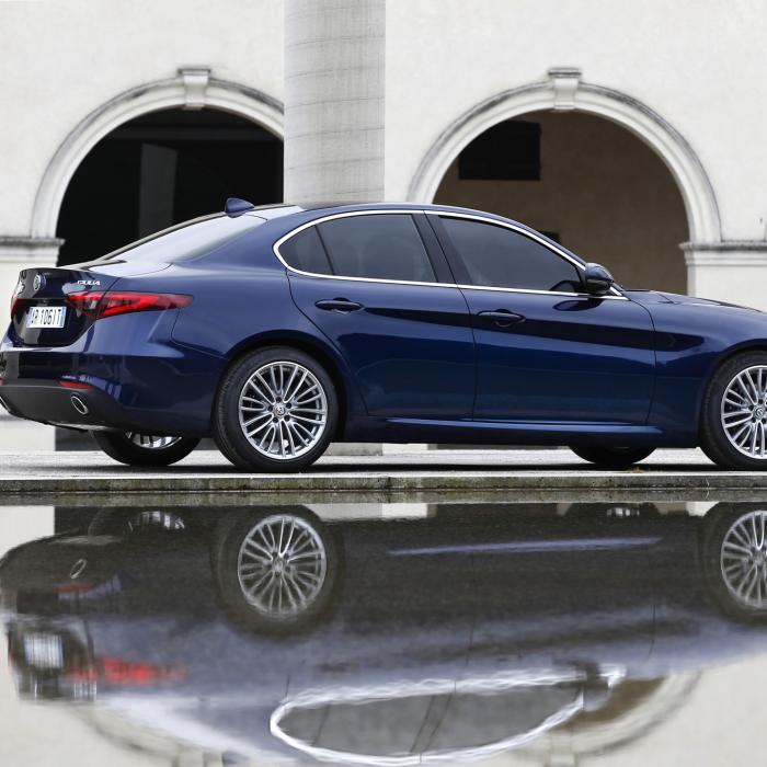 Alfa Giulia wordt met de fotoshoot sexier