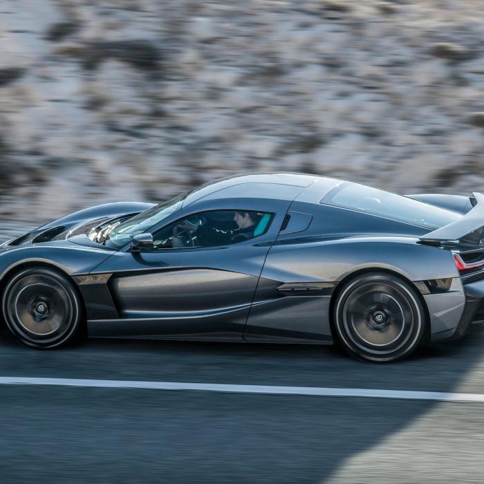 'Volkswagen gaat Bugatti verkopen aan elektrische fabrikant Rimac'