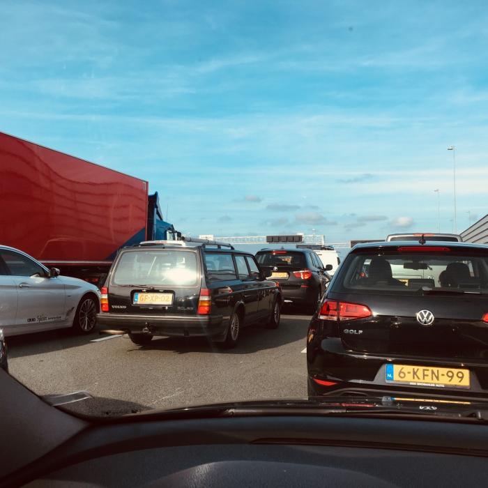 Record: Voor het eerst meer dan 9 miljoen auto's in Nederland