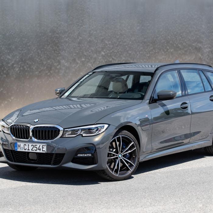 Nieuwe plug-in hybride BMW 3-serie en 5-serie zijn (iets) beter betaalbaar