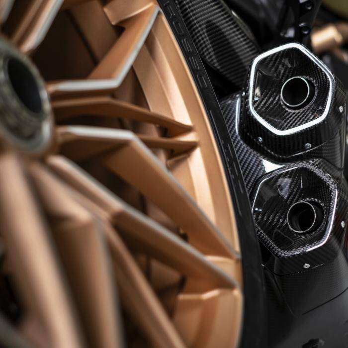 Welke moet het worden: Lamborghini Sián of Ducati Diavel 1260 Lamborghini?