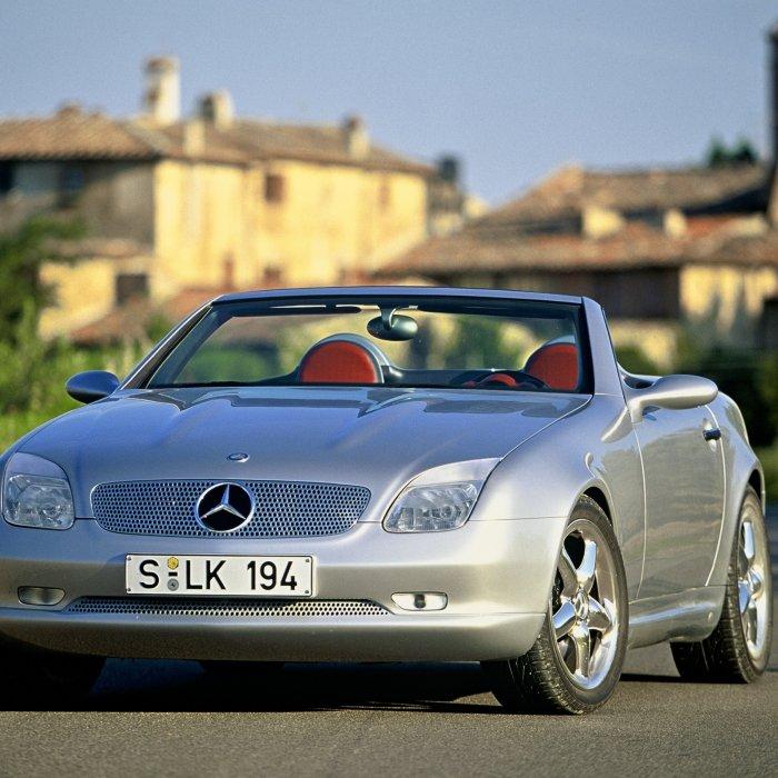 Waarom de Mercedes SLK om te janken is