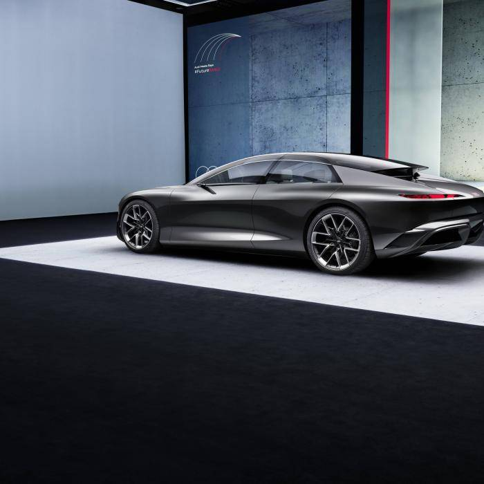 In de Audi Grandsphere wordt reizen een 'experience'. Wat dat ook mag betekenen ...