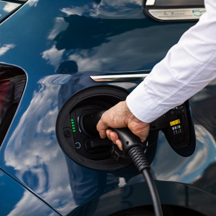 Eerste review: elektrische Fiat 500e doet eigenlijk alles goed