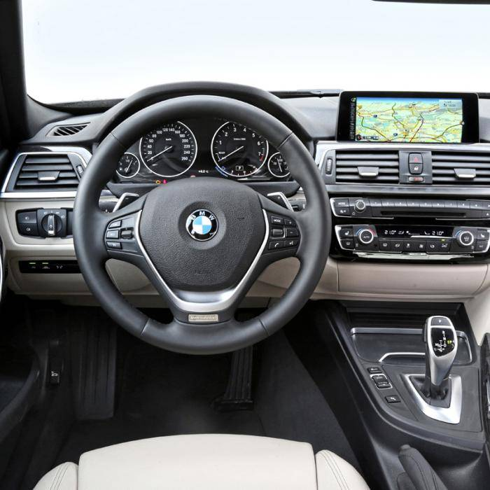 Occasion vergelijking: Premium voor Polo-prijzen in de Audi A4 en BMW 3-serie