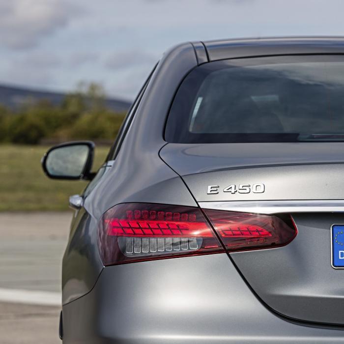 Test BMW 5-serie en Mercedes E-klasse - En de meest comfortabele zakensedan is ...