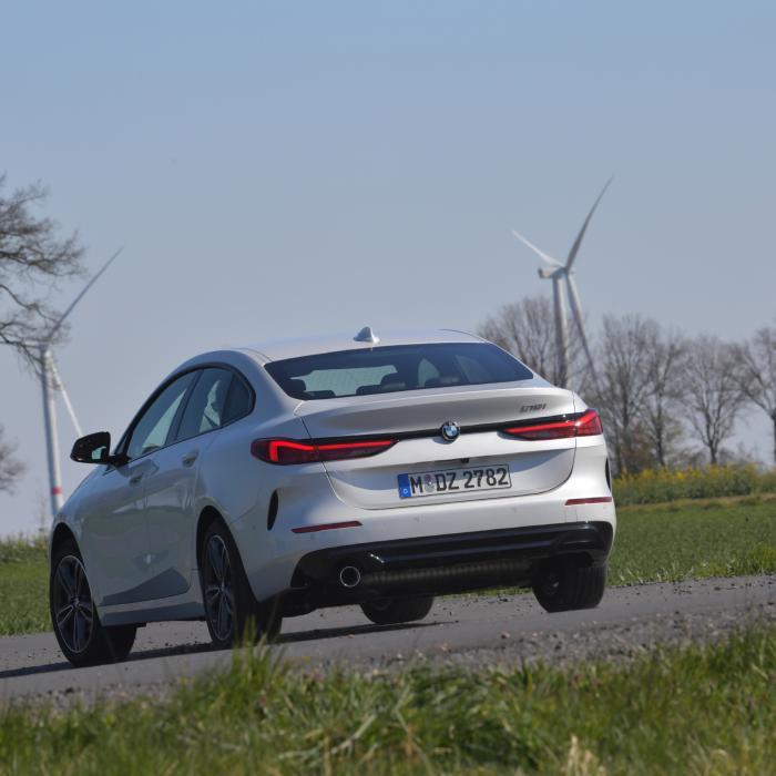 Test: is de BMW 218i Gran Coupé sneller dan de Mercedes CLA 180?