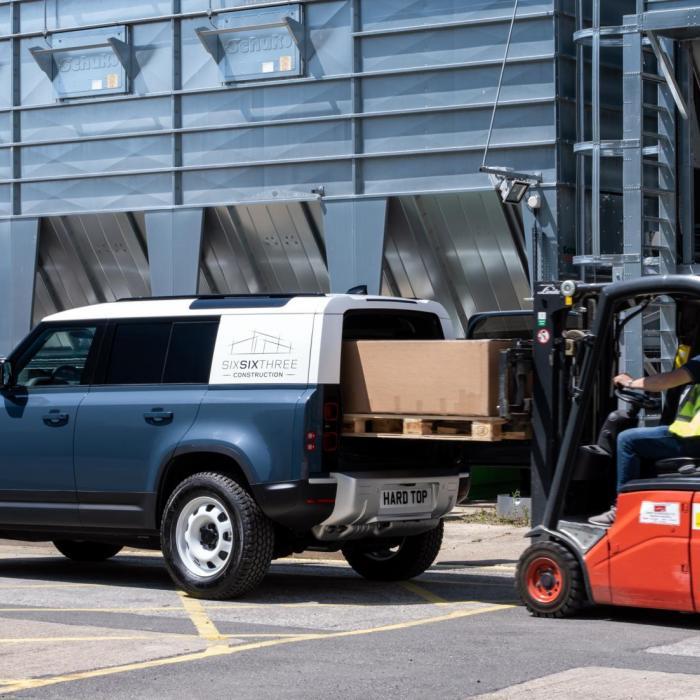 Land Rover Defender Hard Top: Dit is de bedrijfsauto die je wilt!