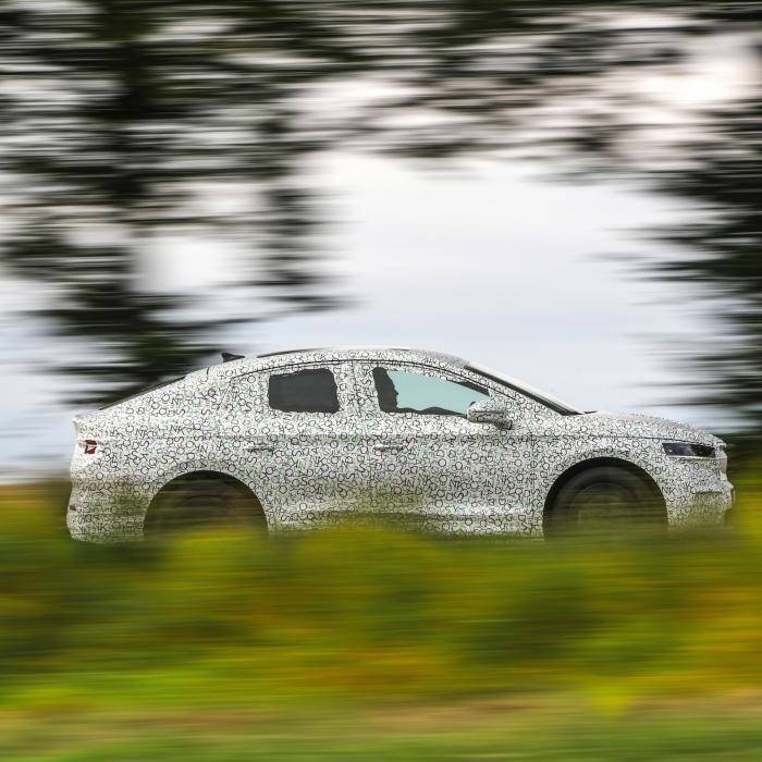 Skoda voert druk op Volkswagen op met Enyaq iV Coupé