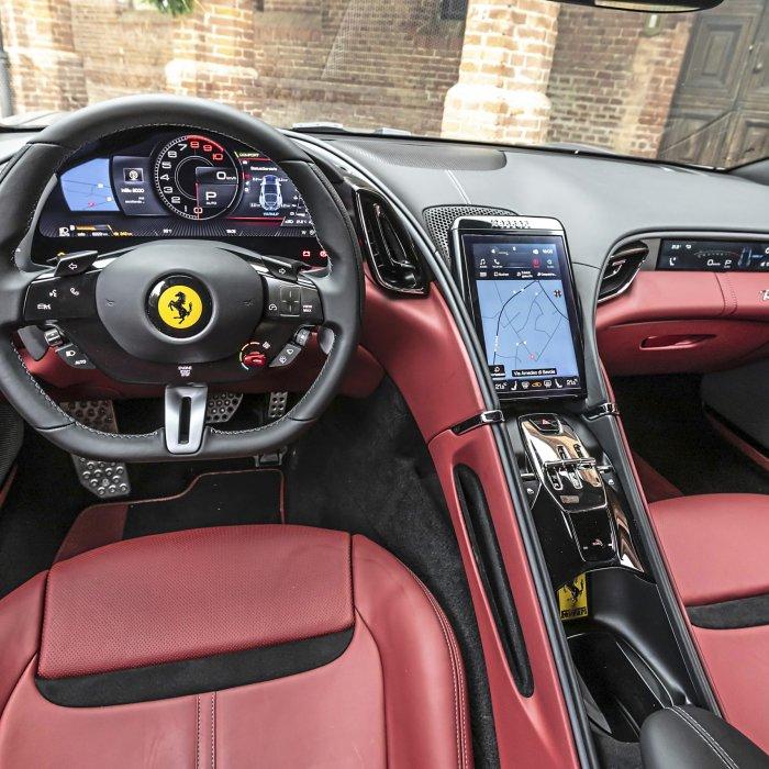 De prachtige Ferrari Roma is beestachtig beschaafd