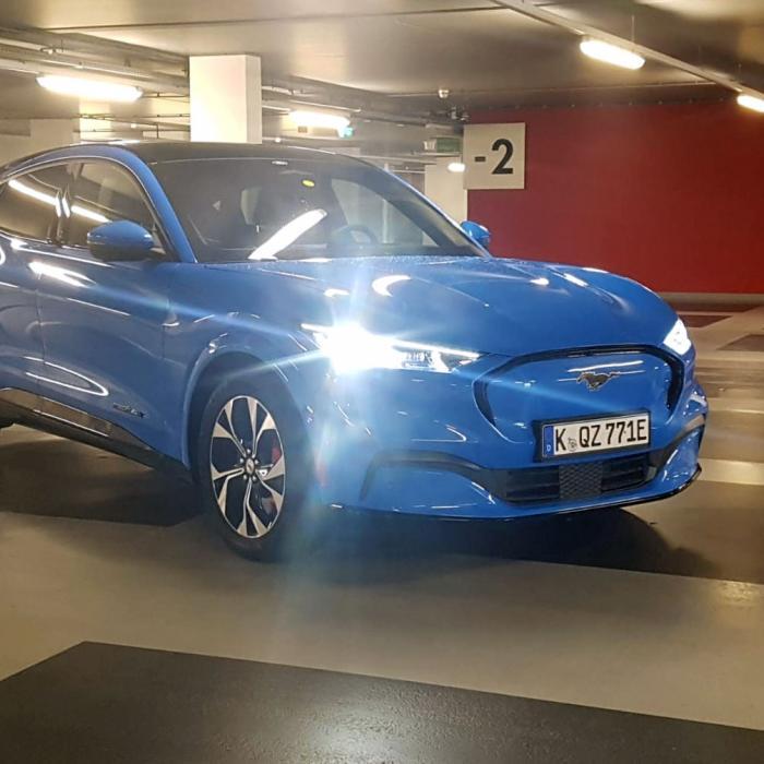 Voorzichtige eerste review: Ford Mustang Mach-E in Rotterdam