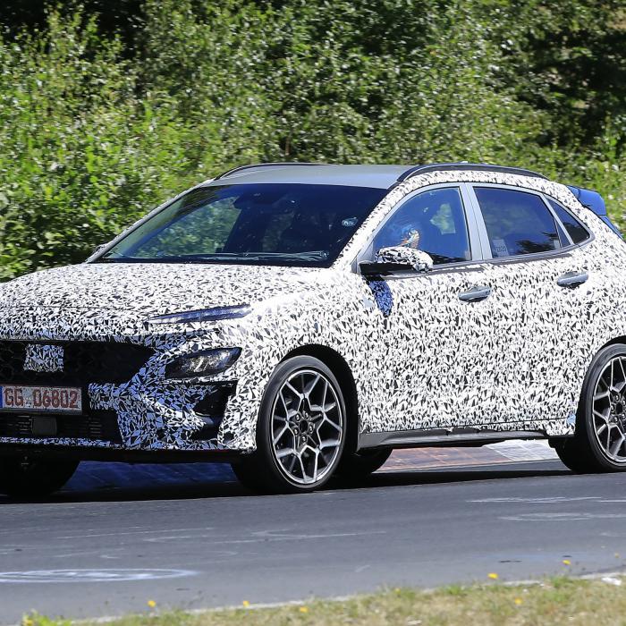 Kijk de Hyundai Kona N toch eens heet zijn!