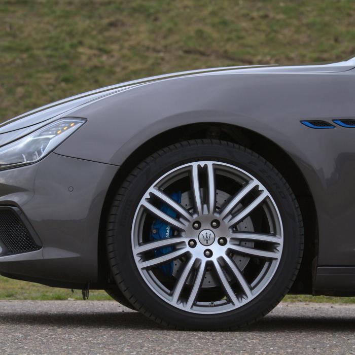 Eerste review - De Maserati Ghibli Hybrid jokt dat-ie een hybride is