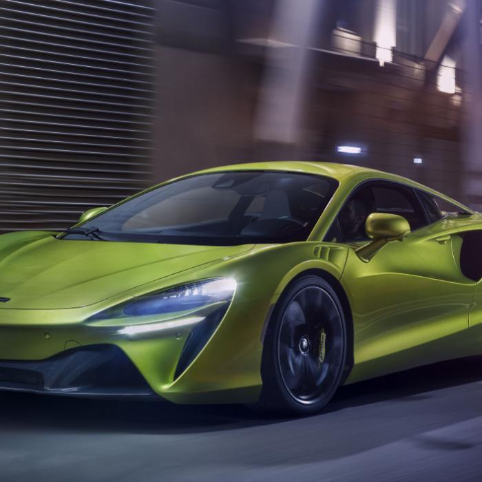 Plug-in hybride McLaren Artura is gloednieuw, maar dat zou je niet zeggen ...