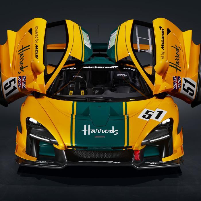 De McLaren Senna GTR LM draagt unieke Le Mans-kleuren