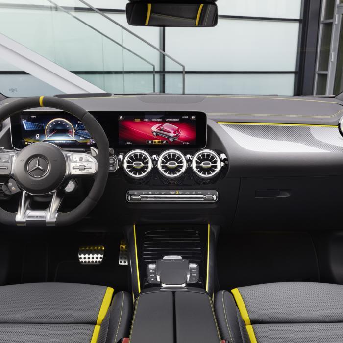 Kijk nou, wéér een Mercedes-AMG! De GLA 45 dit keer