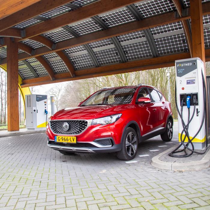 Welke elektrische auto ga jij private leasen? Hier zijn 3 subsidie-aanbiedingen