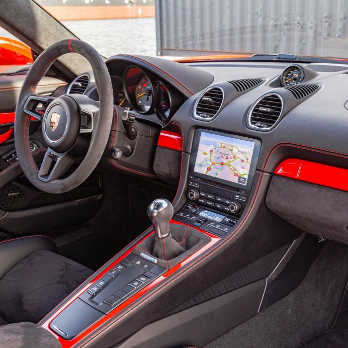 Geniet, maar sprint met mate: de Porsche Cayman GT4 is zwaar verslavend