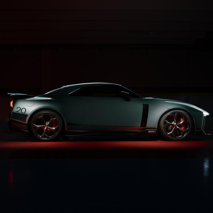 Hè hè, de Nissan GT-R50 by Italdesign is eindelijk klaar!
