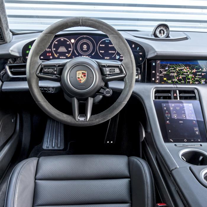 Test Porsche Taycan vs. Porsche Panamera: wil de beste turbo opstaan?