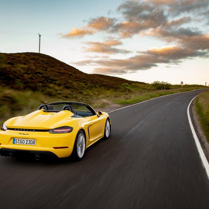 Hoe je als luie Porsche 718-rijder de sportievelingen te snel af bent