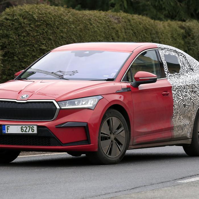 Kijk aan, de elektrische Skoda Enyaq iV komt er ook in coupévorm