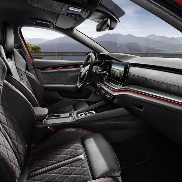 Met deze sportieve Skoda Octavia RS iV haal je 1 op 91! Zeggen ze ...