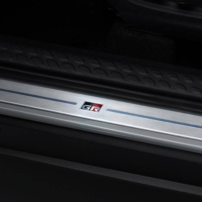 Vernieuwde Toyota C-HR trekt joggingpak aan