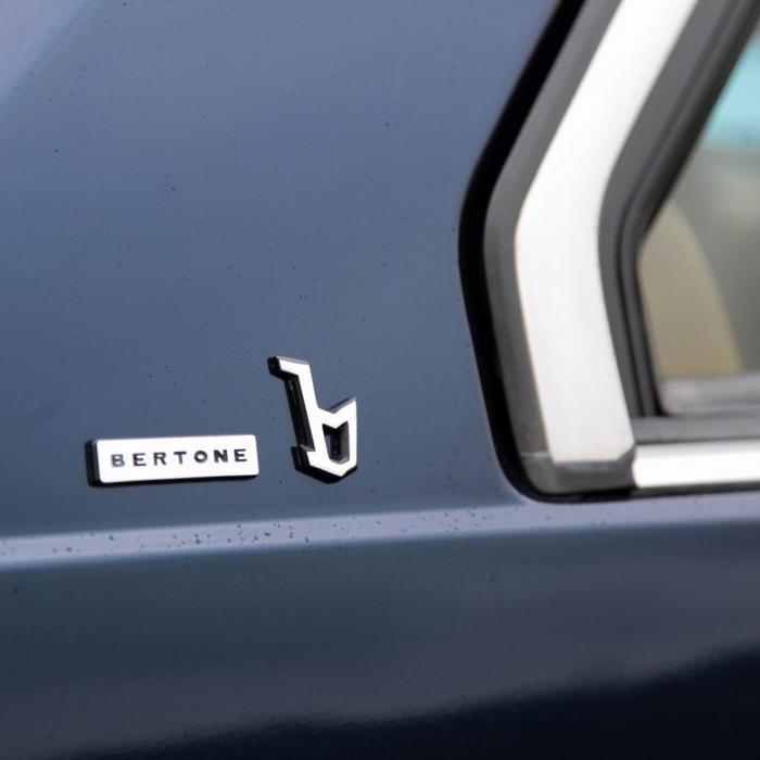 Mercedes 300 CE vs. Volvo 780 - Op je paasbest in twee klassieke coupés