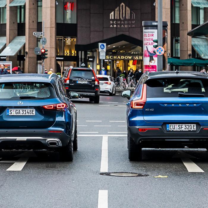 Hybride suv's getest: zo zuinig zijn Volvo XC40 Plug-in Hybrid en Mercedes GLA 250e