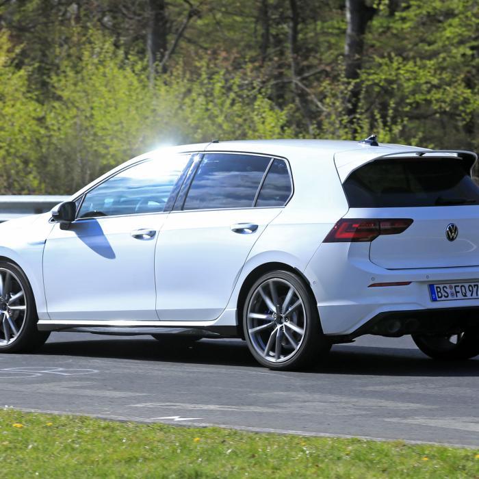 Nieuwe Volkswagen Golf R (2020) raast over de Ring
