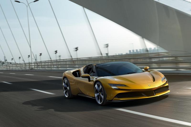 Ferrari SF90 Spider: Kan je haar tegen 1000 pk?