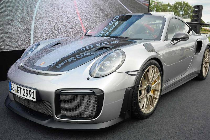 porsche 911 gt2 rs donutfail op goodwood. Black Bedroom Furniture Sets. Home Design Ideas