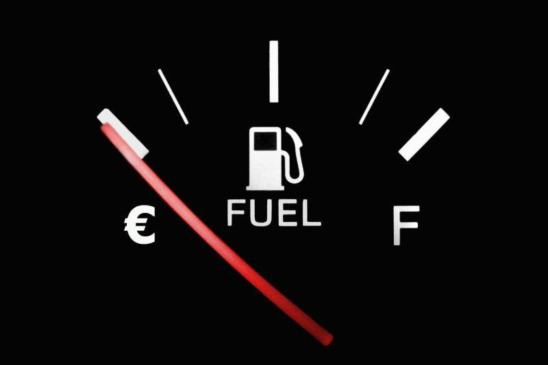 VVD: 'Stilstaan met lege tank? Dan 1500 euro boete!'