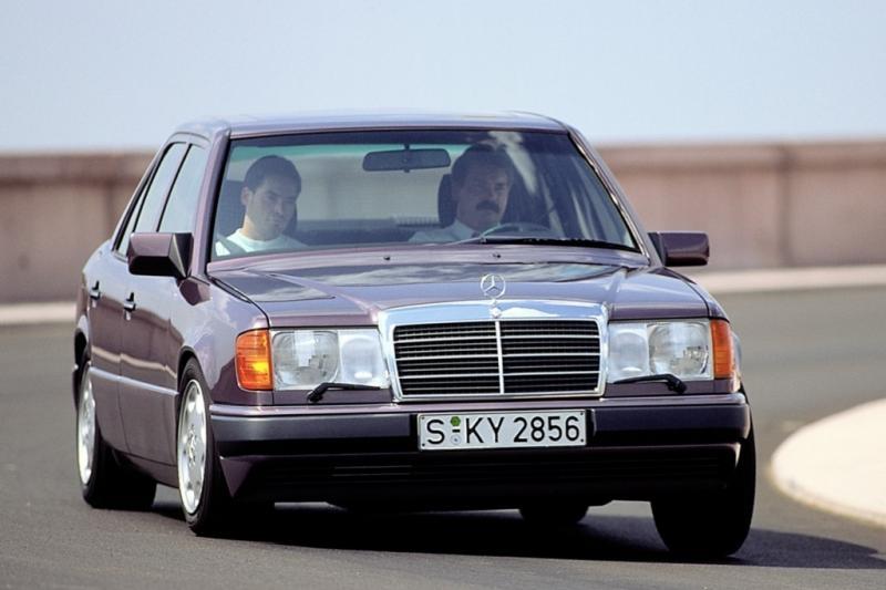 Column: Mercedes W124? Huh? Hij heet toch E-klasse?