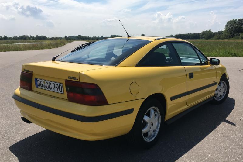 Rijden in vier Opel-klassiekers: Diplomat, GT, Ascona en Calibra