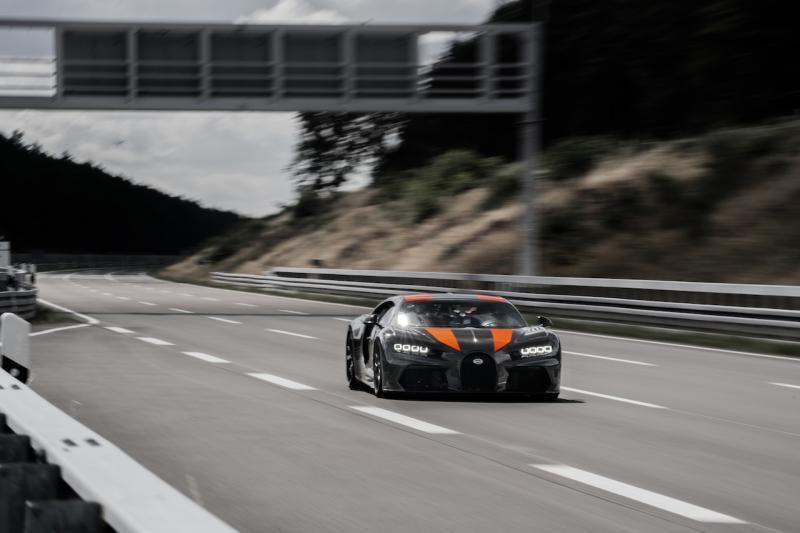 Bugatti Chiron verplettert snelheidsrecord!