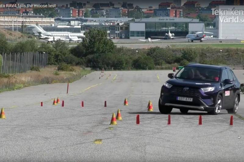 Oeps: Toyota RAV4 scoort matig op elandtest