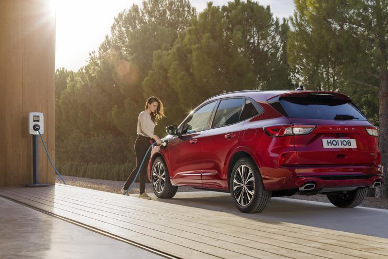 Ford Kuga PHEV mikt met prijs op Kia Niro Plug-In