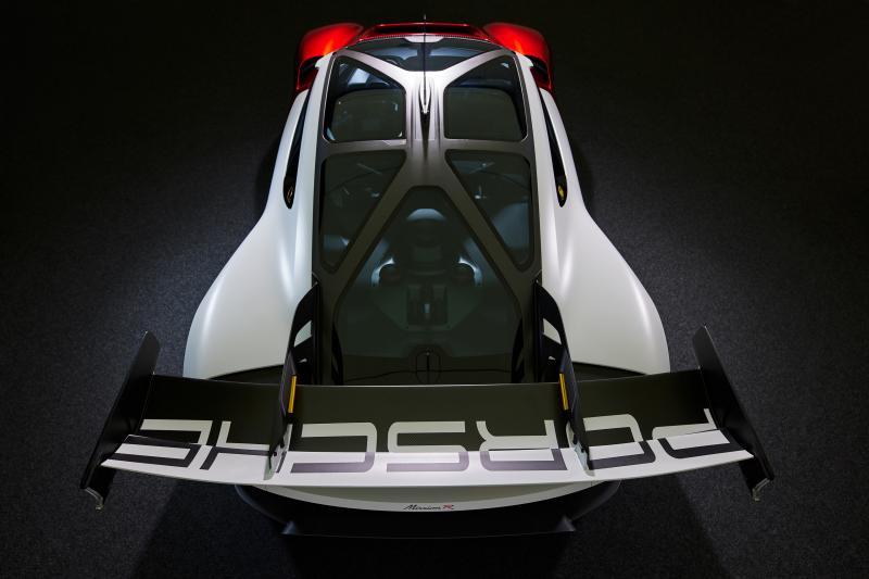 De Porsche Mission R gaat én laadt als de bliksem