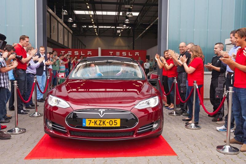 Geen 'Made in Holland' meer! Tesla stopt met assemblage in Tilburg