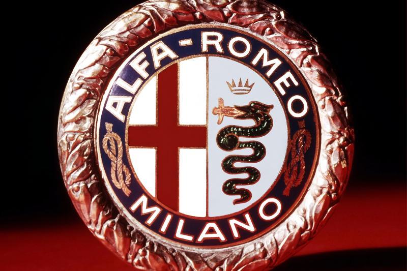 Wat betekent het Alfa Romeo-logo? Eet die slang echt een mannetje op?
