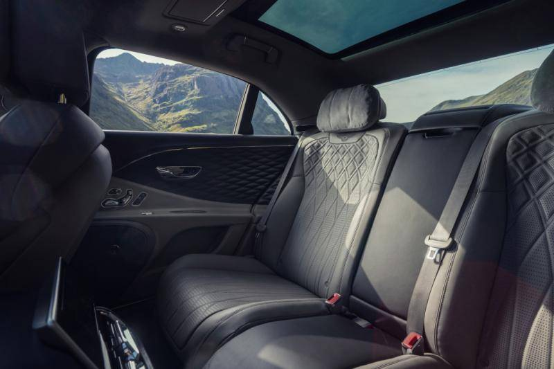 Bentley Flying Spur V8: Waarom zou je nog een W12 willen?