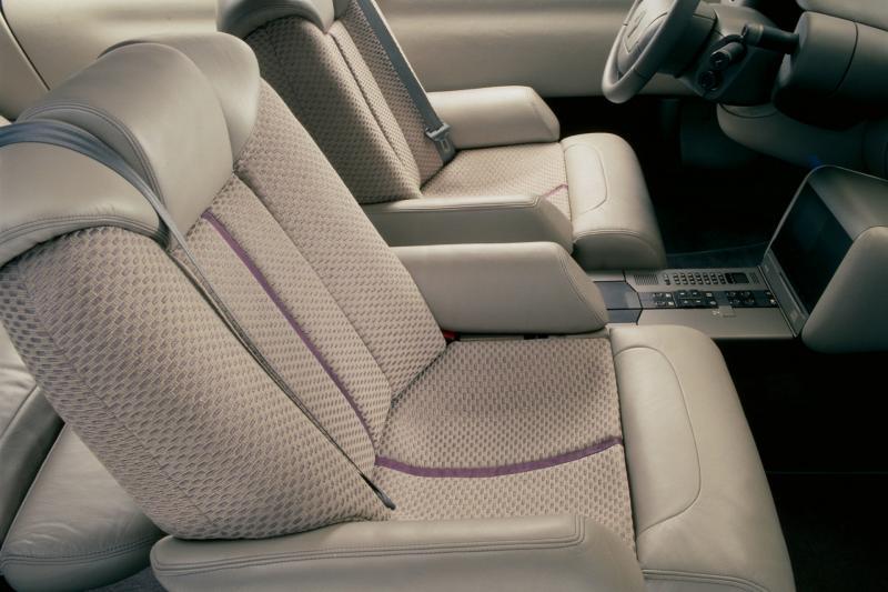 Hoe de Renault Mégane begon als snelle limousine