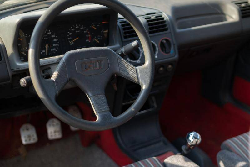 Heb je een Peugeot 205 GTI? Peugeot wil hem voor je restaureren