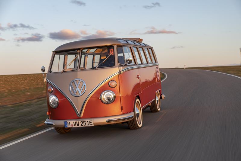 De e-Bulli: klassieke elektrische Volkswagen bus in volle glorie